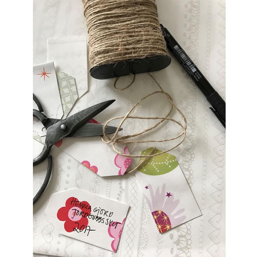 enklaste-sommarpysslet-fina-etiketter-till-din-hemmagjorda-jordgubbssylt-midbec-tapeter