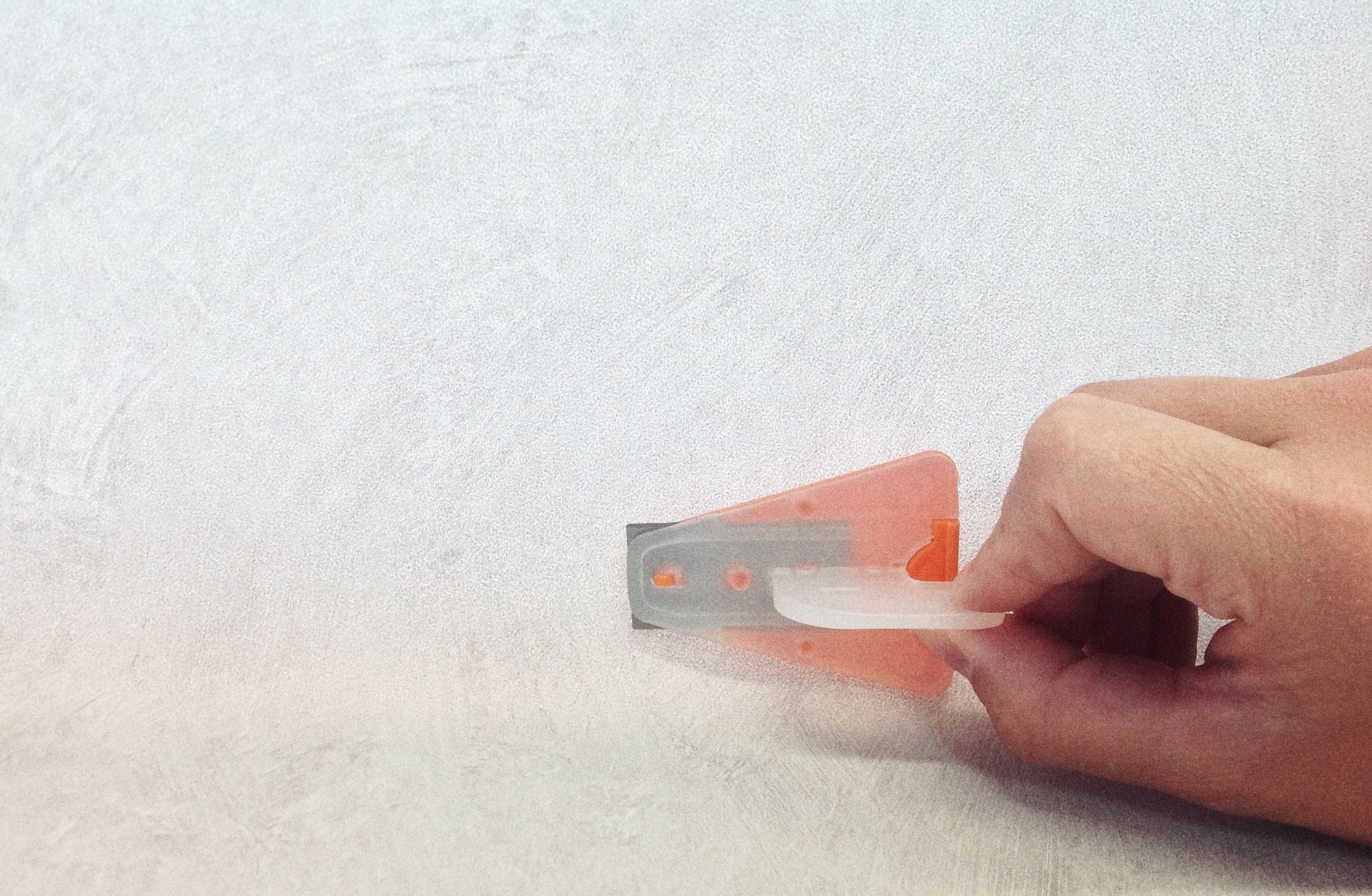 tapetsering-tapetredskap-sockelkniv-midbec-tapeter