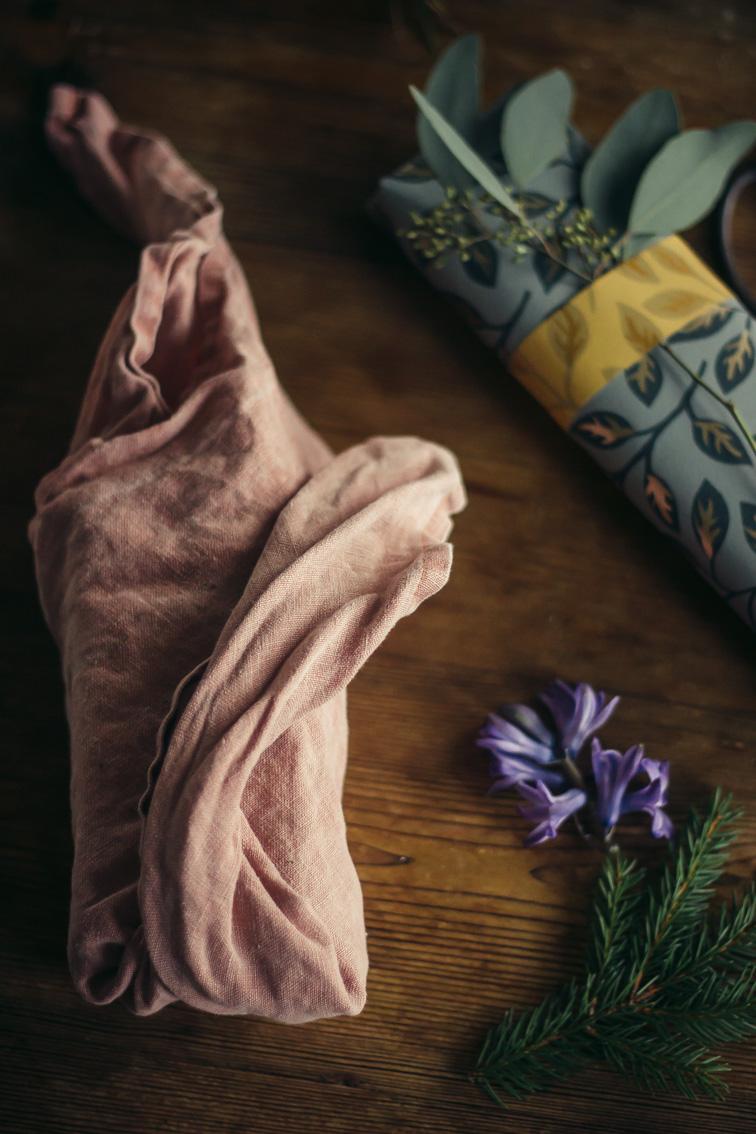 paketinslagning julklapp tyg midbec tapeter 2