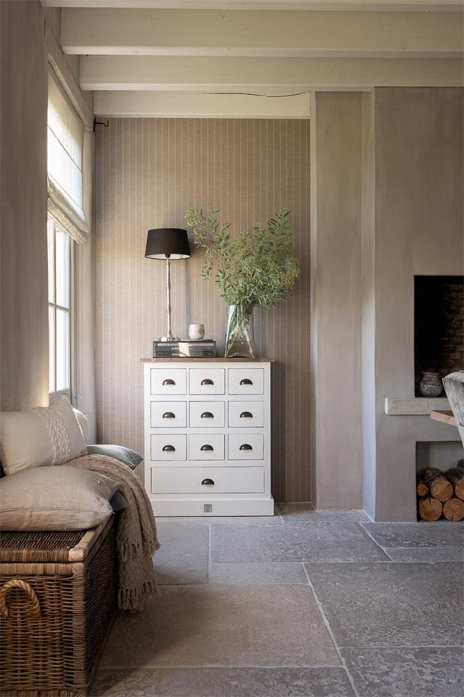 Skapa ombonade rum med randiga tapeter 3